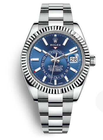 The oystersteel bracelet is robust and durable, making the watch more reliable.