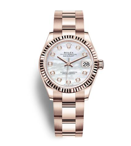 The Everose gold bracelet ensure the durability and beauty of the watch.