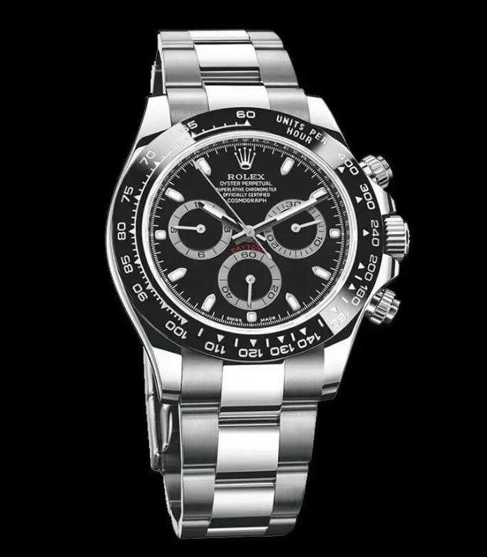 It allows drivers to measure the average speeds up to 400 kilometres per hour with its reliable chronograph.