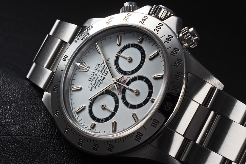 This model was equipped with a new self-winding mechanical movement calibre 4030.